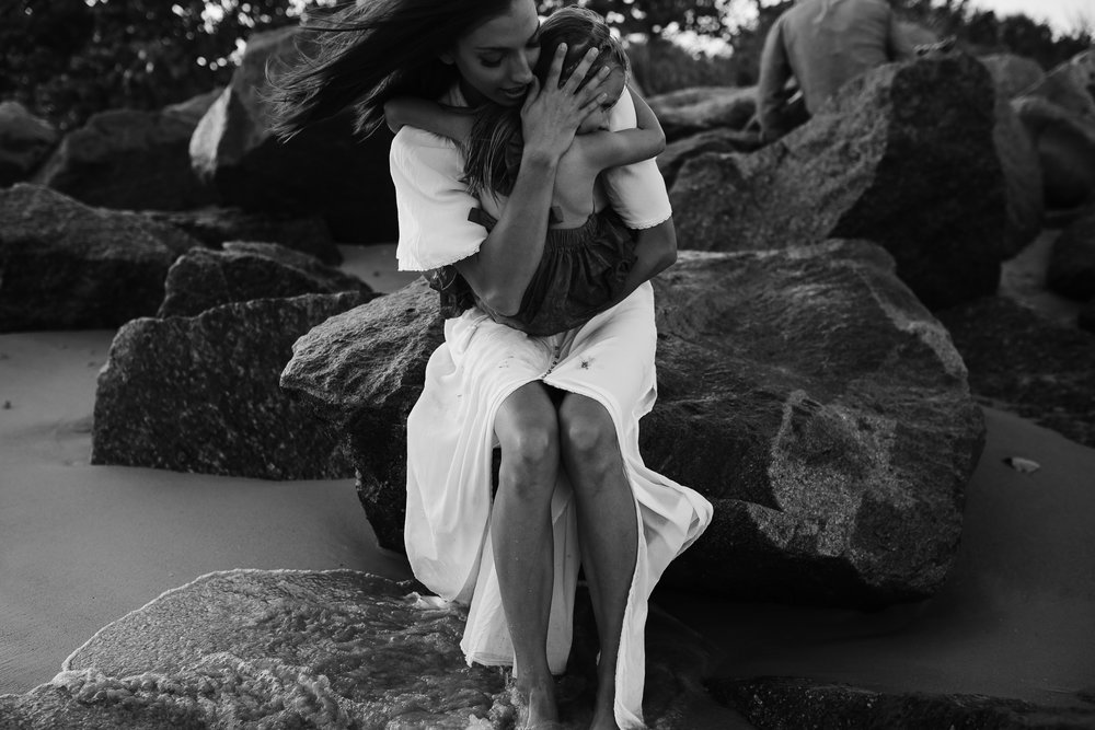 emotionstorytelling.familyphotography.fortpierce.florida.virginiaweddingphotographer.beach.Fortpierceinletstatepark-53.jpg
