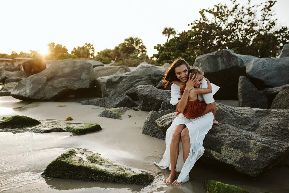 emotionstorytelling.familyphotography.fortpierce.florida.virginiaweddingphotographer.beach.Fortpierceinletstatepark-54.jpg