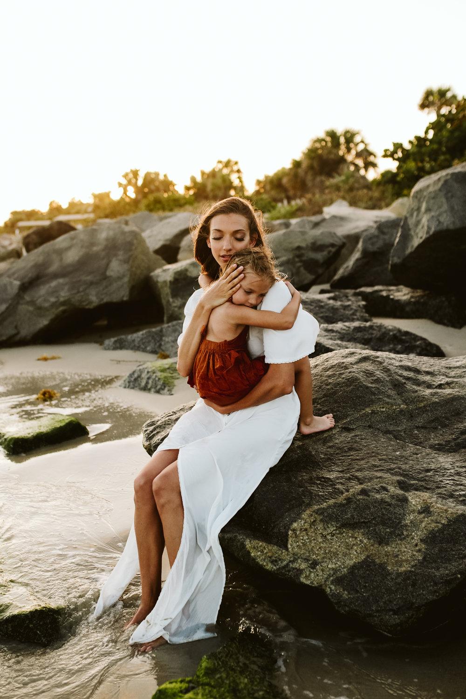 emotionstorytelling.familyphotography.fortpierce.florida.virginiaweddingphotographer.beach.Fortpierceinletstatepark-55.jpg
