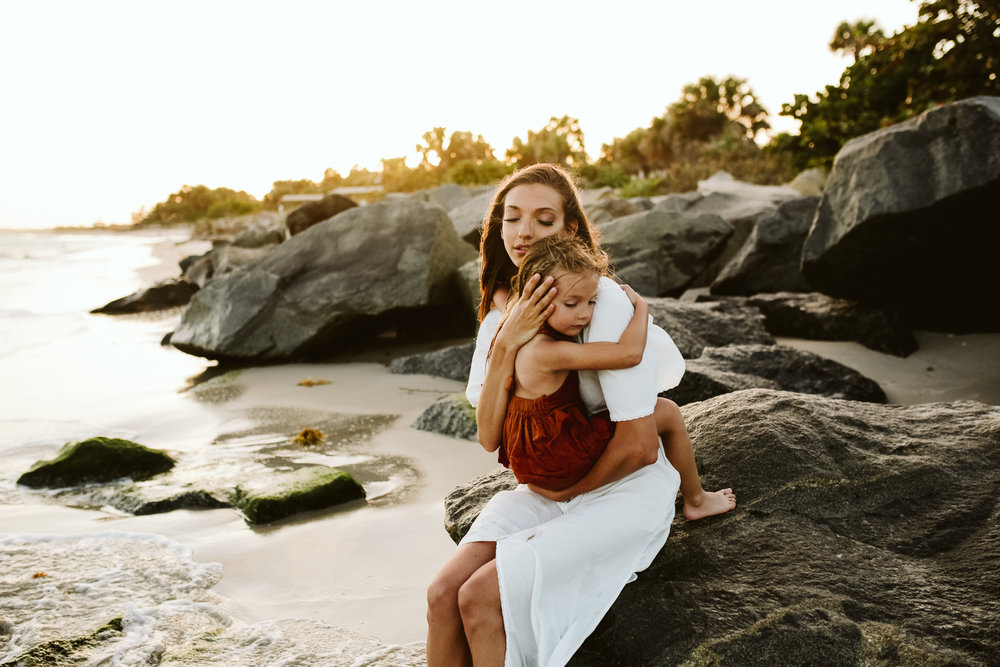 emotionstorytelling.familyphotography.fortpierce.florida.virginiaweddingphotographer.beach.Fortpierceinletstatepark-56.jpg
