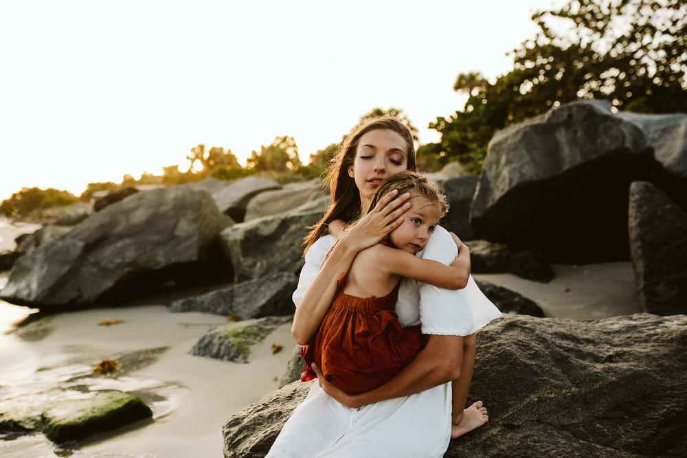 emotionstorytelling.familyphotography.fortpierce.florida.virginiaweddingphotographer.beach.Fortpierceinletstatepark-57.jpg
