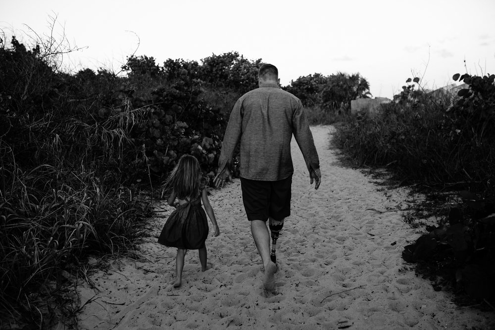 emotionstorytelling.familyphotography.fortpierce.florida.virginiaweddingphotographer.beach.Fortpierceinletstatepark-64.jpg