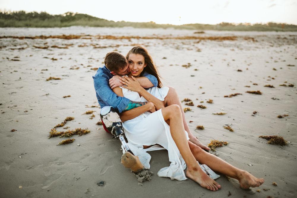 emotionstorytelling.familyphotography.fortpierce.florida.virginiaweddingphotographer.beach.Fortpierceinletstatepark-81.jpg
