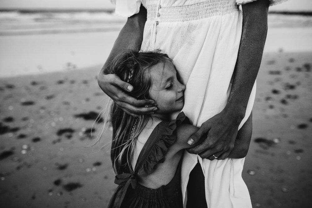 emotionstorytelling.familyphotography.fortpierce.florida.virginiaweddingphotographer.beach.Fortpierceinletstatepark-113.jpg