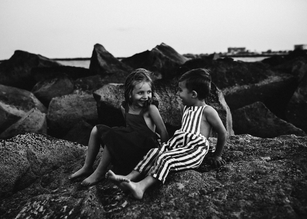 emotionstorytelling.familyphotography.fortpierce.florida.virginiaweddingphotographer.beach.Fortpierceinletstatepark-115.jpg