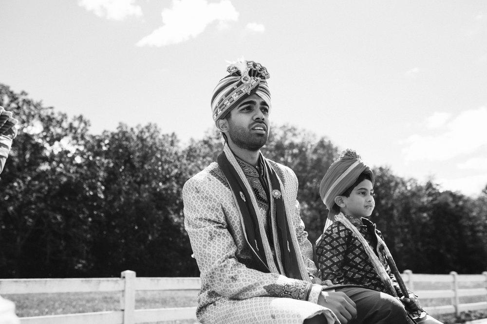 rebeccaburtphotography.hindiwedding.moraisvineyards.virginiawedding-66.JPG