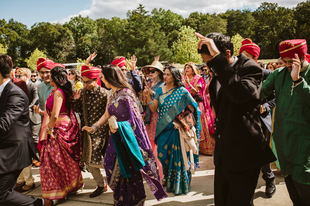 rebeccaburtphotography.hindiwedding.moraisvineyards.virginiawedding-86.JPG