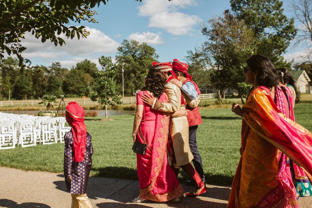 rebeccaburtphotography.hindiwedding.moraisvineyards.virginiawedding-116.JPG