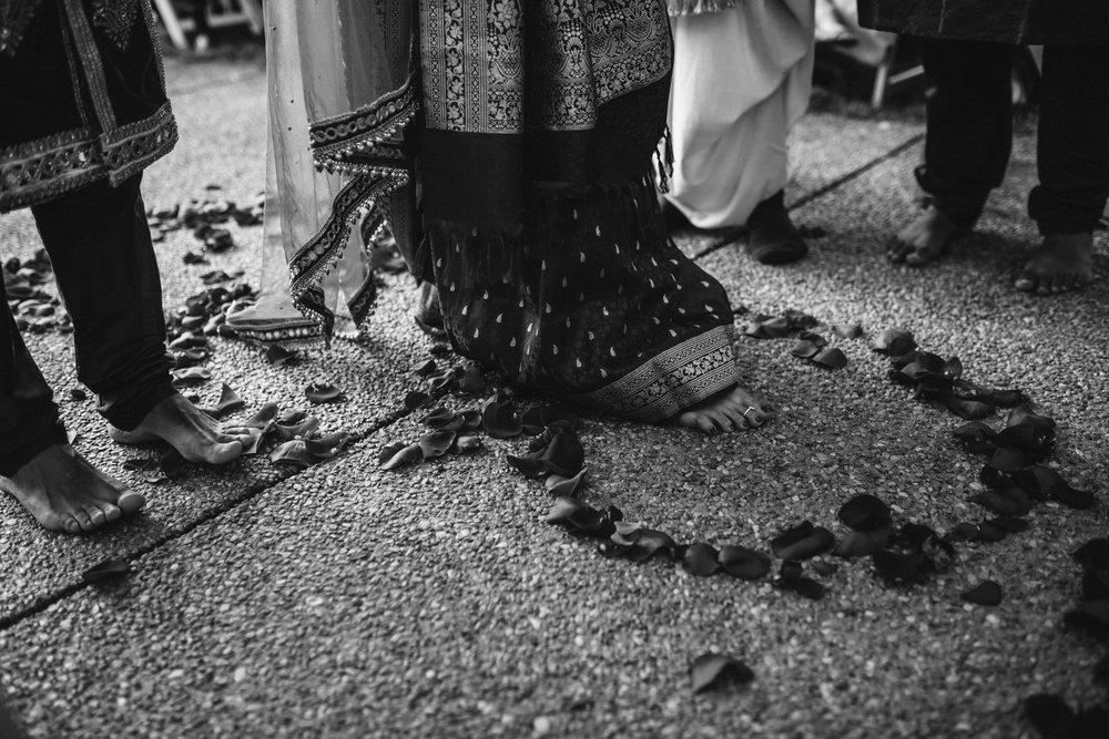 rebeccaburtphotography.hindiwedding.moraisvineyards.virginiawedding-142.JPG
