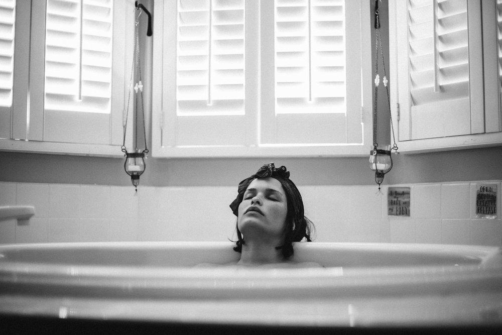 Casey_Teller_Birth_photography_suffolk_virginia_rebecca_burt_photography-23.JPG