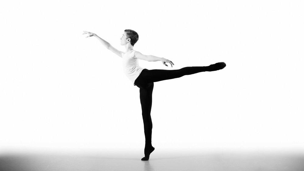 male-ballet-dancer-studio-black-and-white.jpg