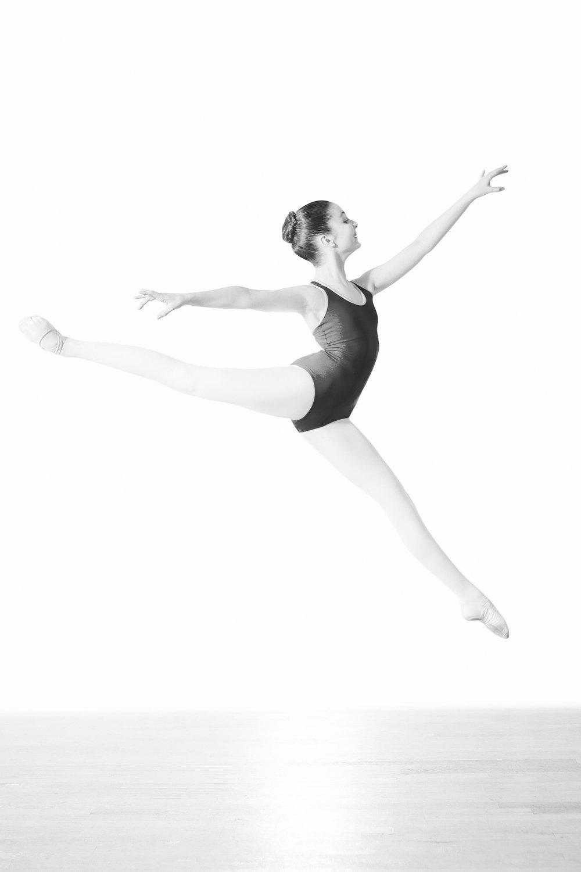 2016_11_06_ballet_seattle_viola-2781-Edit.jpg