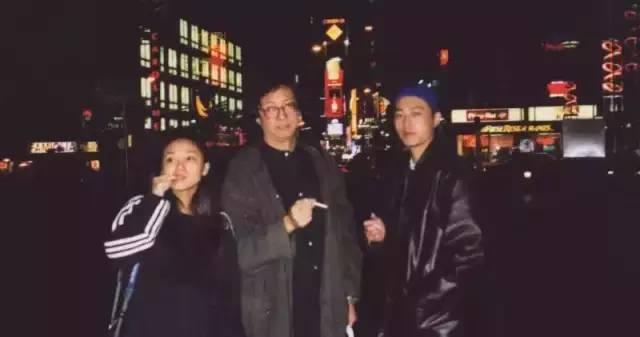 Z组合(组合嬲前身)在纽约亚洲协会剧场演出《母语》,图中左起:马翎雁、张献、沈晓海