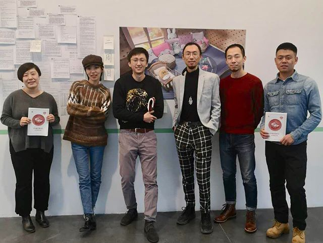 """Yesterday we organized our first ☝️lecture in 2019. Game researcher Sun Jing, Literature PhD Fu Shanchao, artist and filmmaker Liu Zhangbolong, writer and journalist Zhang Zhiqi, producer of game """"Chinese Parents"""" Yang Geyilang discusses the the behind story and topics related to the game """"Chinese Parents"""". 🎮Released in September 2018, it was produced by a independent team which only has three members👦🏻👦🏻👩🏻. Shortly after the release, it received high media attention since its realistic representation of Chinese style childhood👶🏻. You can find so many familiar experiences in it!! Image1: From Left:Sun Jing, Zhang Zhiqi, Yang Geyilang, Fu Shanchao, Liu Zhangbolong, Yang Tiange."""