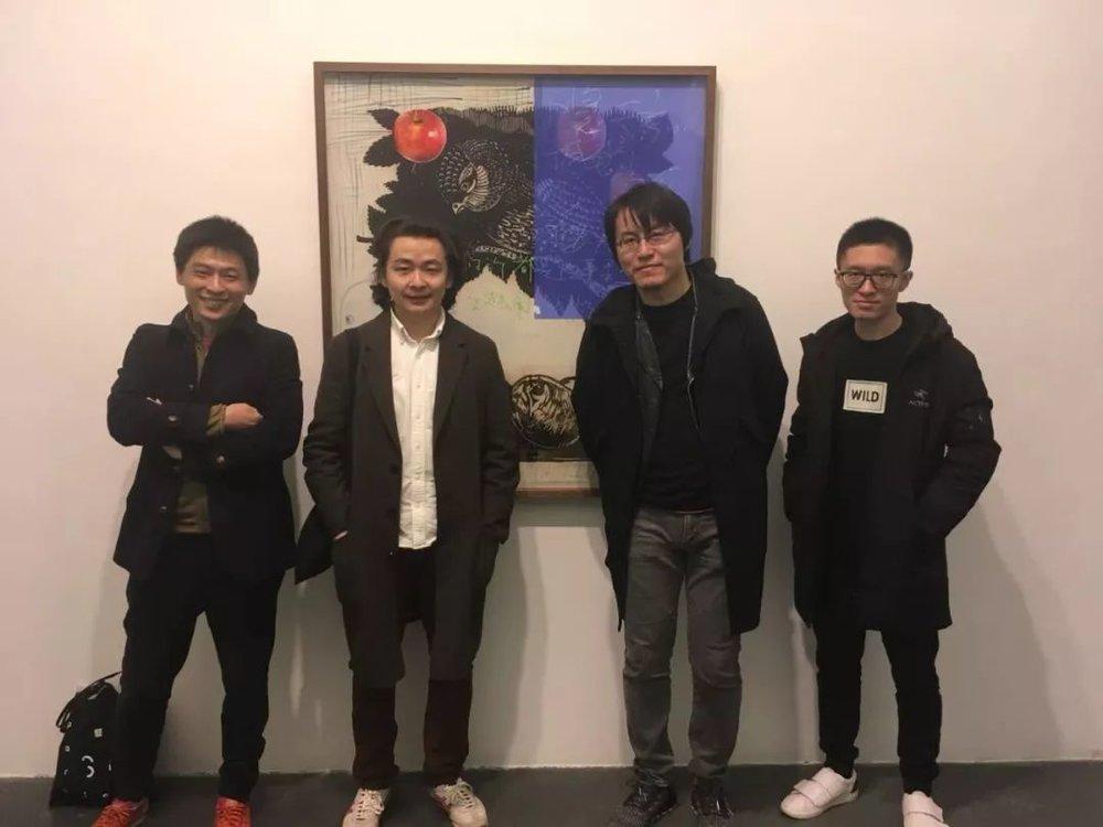 """(左起)""""想象·主流价值""""展参展艺术家刘鼎先生、阎洲先生、于瀛先生与艺术家张嗣先生"""