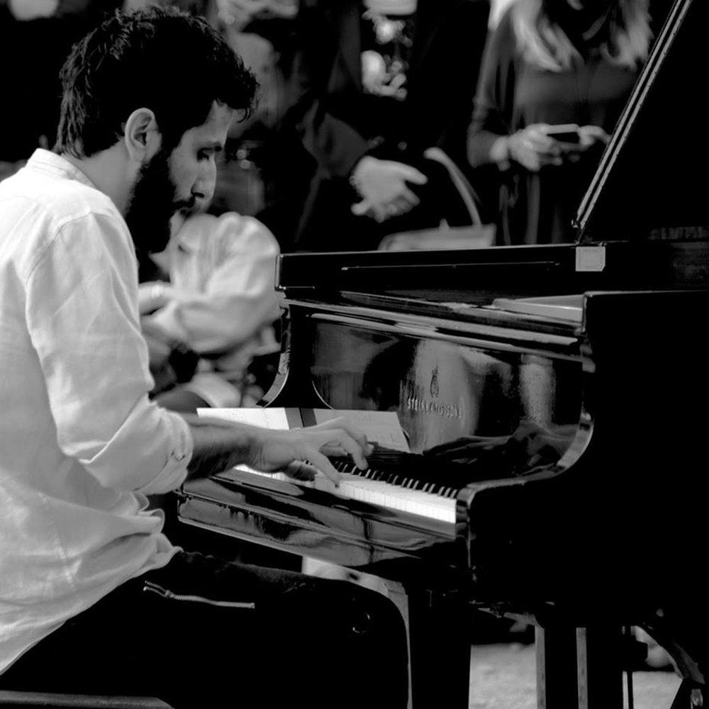 FARAJ SULEIMAN  / Pianist