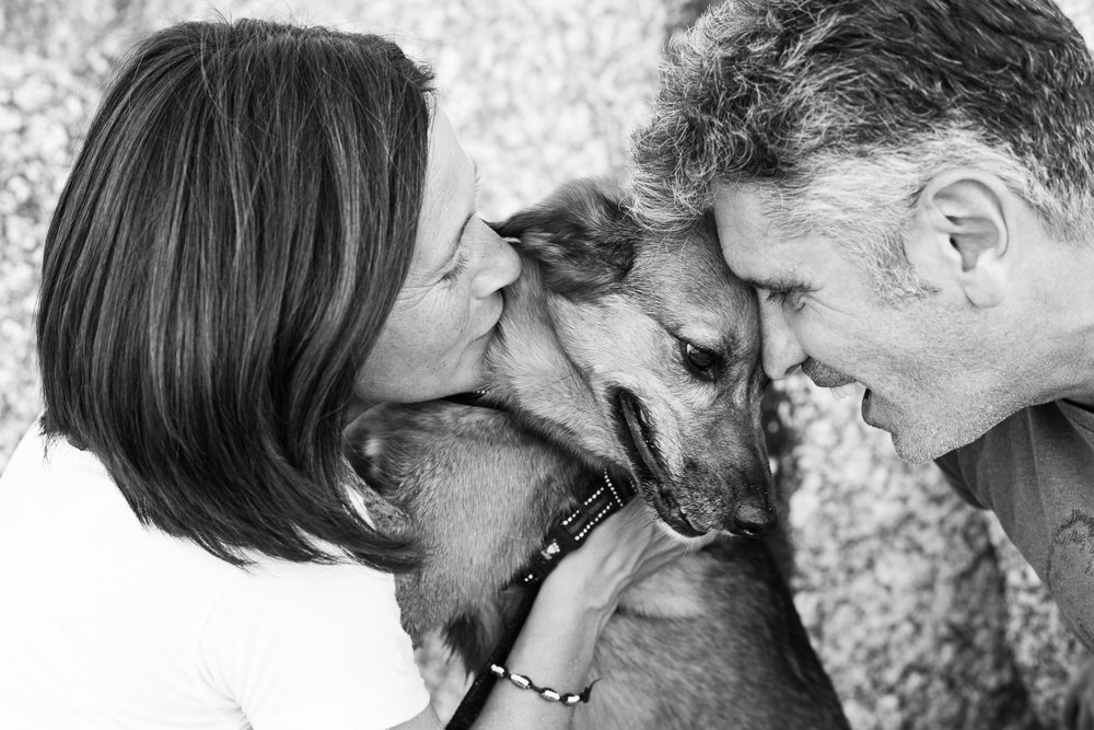 SILVIA, FILIPO & MARTINA THE DOG -