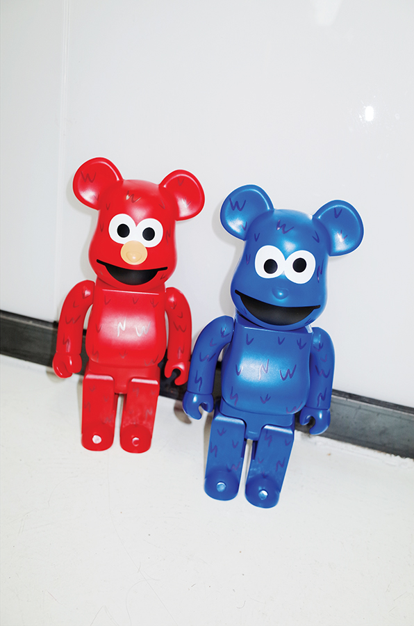400% BEARBRICK ELMO, 400% BEARBRICK COOKIE MONSTER by KINKI robot 400% 베어브릭 엘모, 400% 베어브릭 쿠키 몬스터 바이 킨키로봇.jpg
