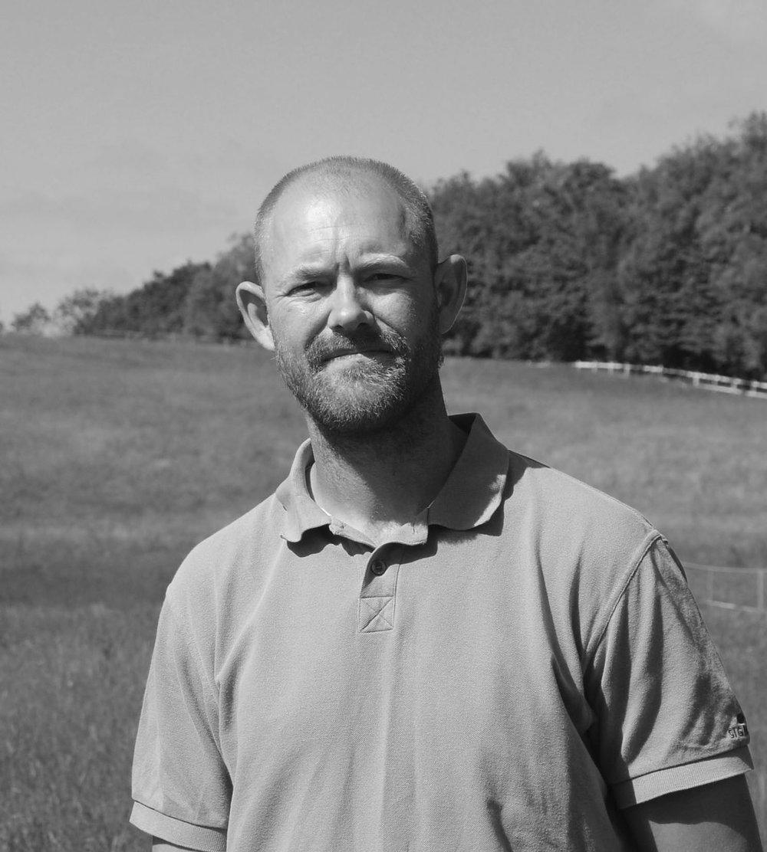 Mathias Hemstra Schlichting, pædagogmedhjælper