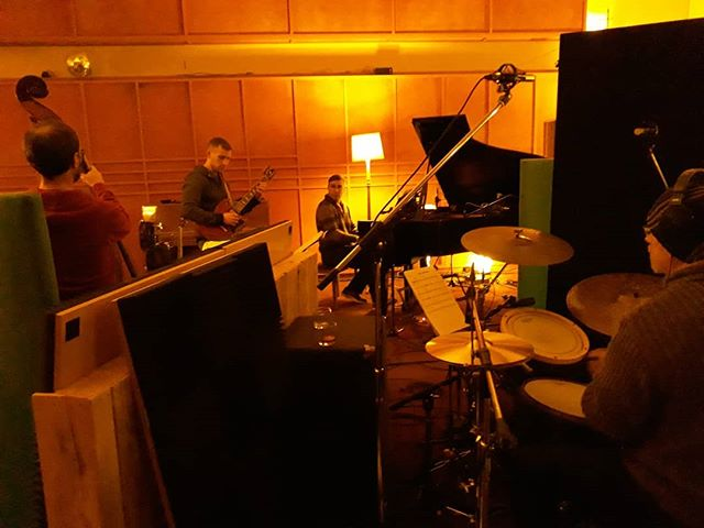 Sounding sublime in the studio today, thanks to Richard Coates and friends #samcagney #cymbalutopia #lyndongray
