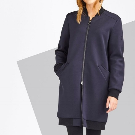LangerChen - Jackets. Eco friendly fiber. Made in own sustainable manufactory in China.Based In: GermanyPrice Range: €Shipping: Worldwide for a fee.Webpage: https://langerchen.com
