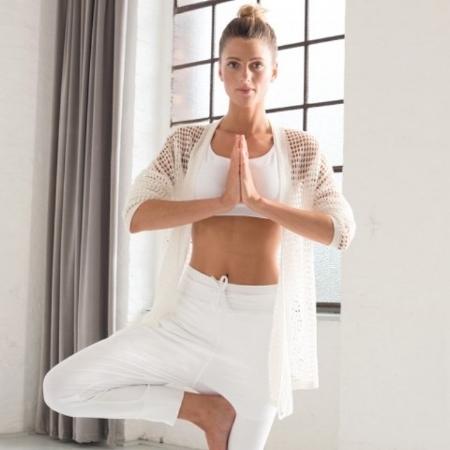 Wellicious - Ropa de yoga, fabricada con materiales orgánicos y de manera ética en Europa-Sede: Reino Unido.Precios: €Envíos: Más gastos de envío para todo el mundo.Página web: www.wellicious.com