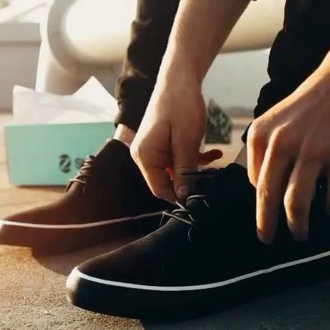 Z Shoes - Fabricación en condiciones justas en Perú. Emplea algodón y caucho orgánicos. Destina el 2.5 % de sus ingresos a una organización sin ánimo de lucro que lucha contra la trata de personas.Sede: Estados UnidosPrecio: €Envíos: Más gastos de envío para todo el mundo.Página web: www.zshoesorganic.com