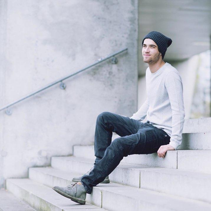 MUD Jeans - Emplea algodón orgánico producido en fábricas con condiciones justas de trabajo.Sede: Países BajosPrecio: €Envíos: Más gastos de envío para todo el mundo.Página web: www.mudjeans.eu