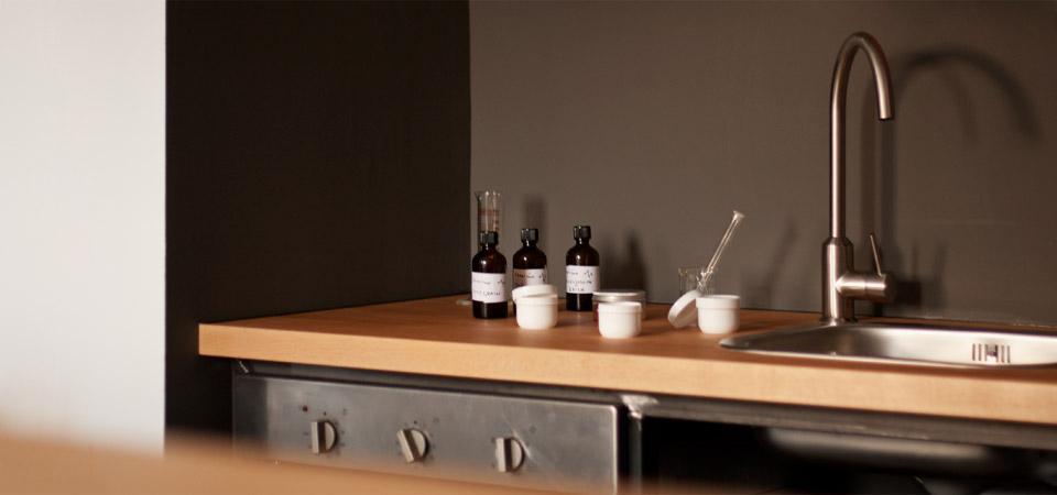 Delovna kuhinja za izdelavo kozmetike / 2013