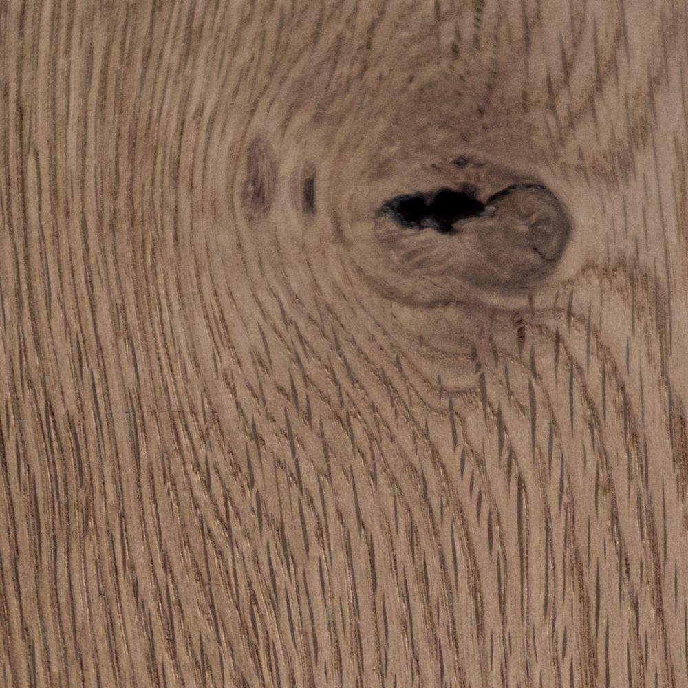 Rustikalni hrast - regija: Hrvaškatrdota lesa:visokacenovni razred:srednji-višjizaščitno sredstvo: rustikalno olje