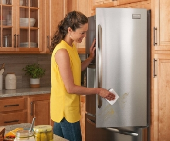 Smudge-proof-stainless-steel-appliances-for-the-modern-kitchen.jpg