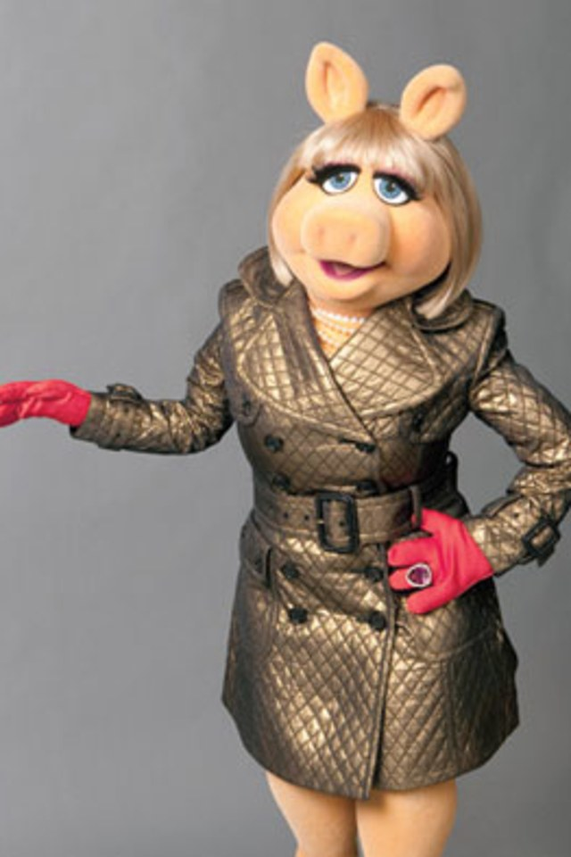Miss Piggy - She's the ultimate snack, and not because she's technically pork. Piggy is the crown jewel of the entire franchise. If you're going to go for a Muppet at all, then make it a supreme. While it's technically harder to give her neck, considering, I would still bury my fist deep in her pink.