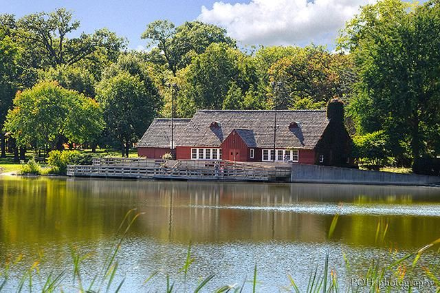 The classic boathouse  Location: Chicago suburbs Seated Capacity: 120 Saturday Price: $1,960