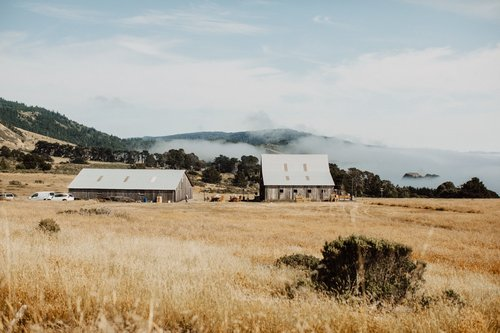 California Wine Country Venue Guide:  Boasting some of the most beautiful geography in the country, Northern California is a wonderful destination for a wedding. Romantic vineyards, ocean views and rustic ranches are just a sample of the possible settings for your big day.  Read More .