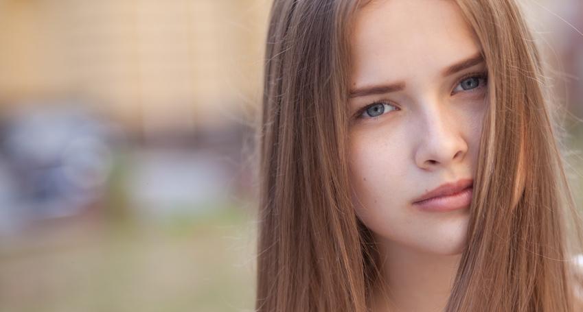 Closeup-portrait-of-beautiful-girl-outdoors.jpg