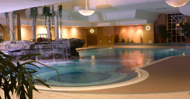 swimming-pool-night-630x330.jpg