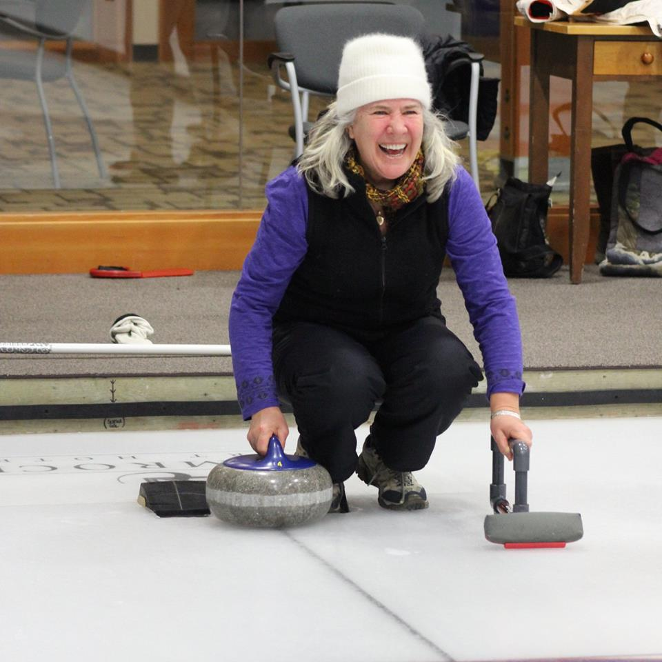Evita curling.jpg