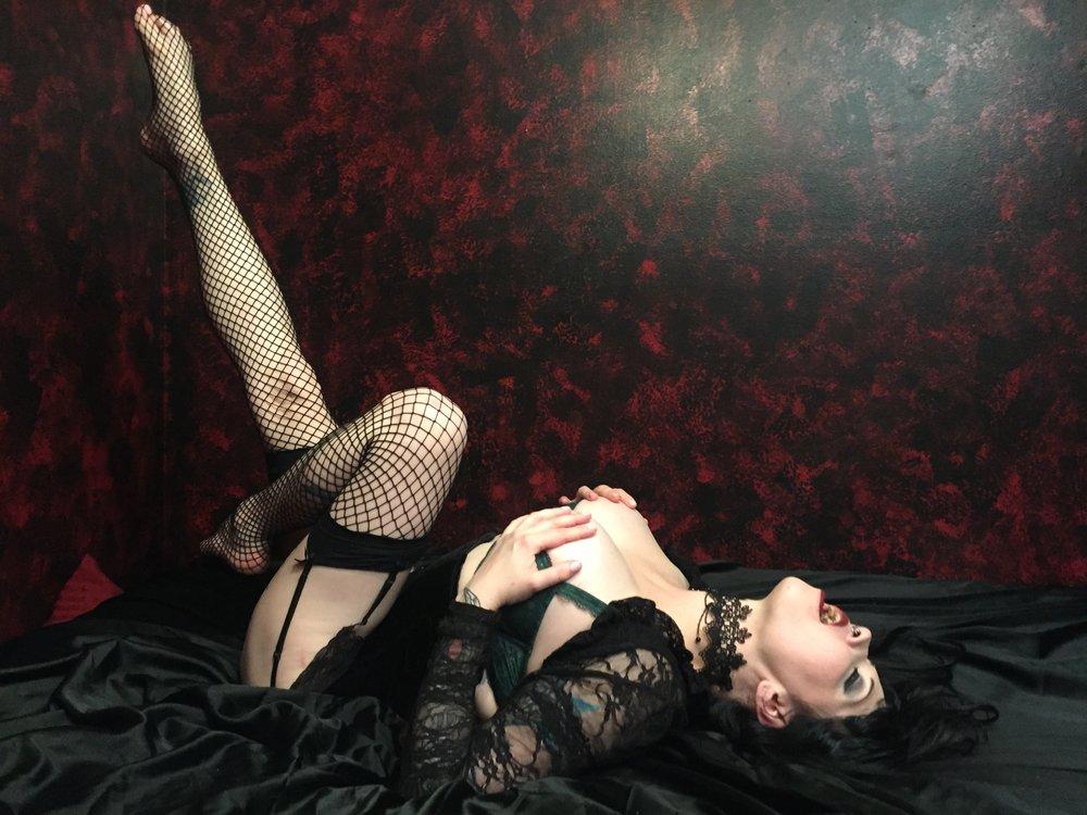 Vampire Goddess Maya Sinstress