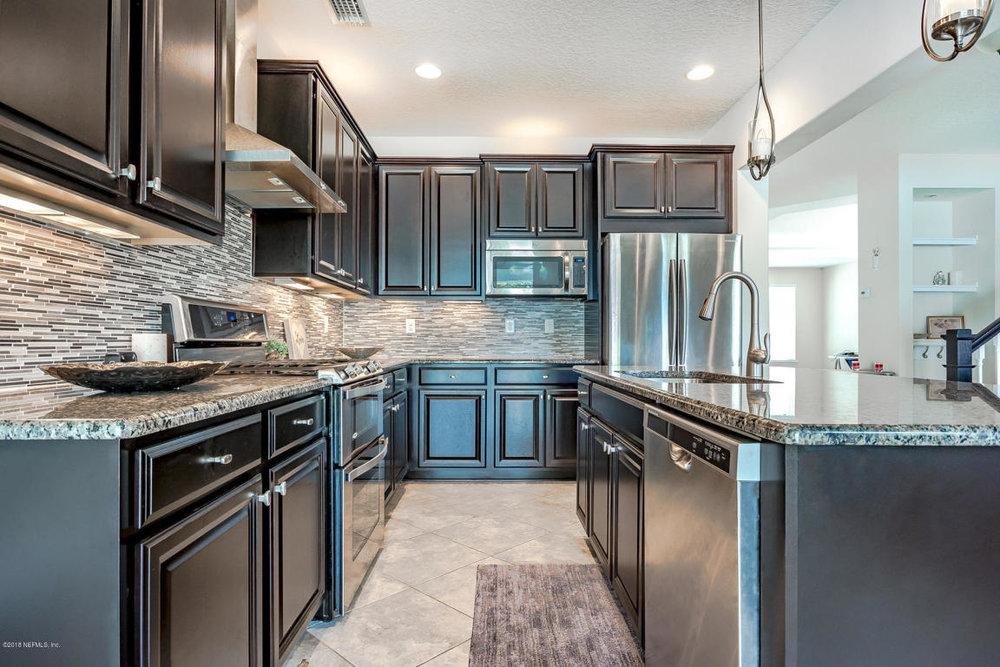 7054Rosabella_kitchen.jpg