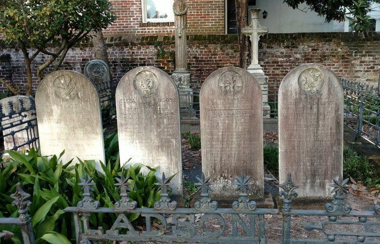 walking charleston historic graveyards and cemeteries