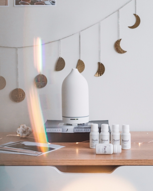 White Stone Diffuser and the Essential Oil Blends
