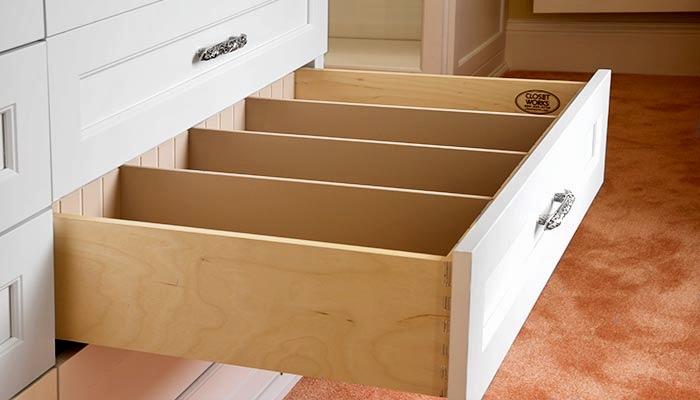 BIRCH DOVETAIL DRAWER BOX WITH SELF-CLOSE UNDER-MOUNT GLIDES