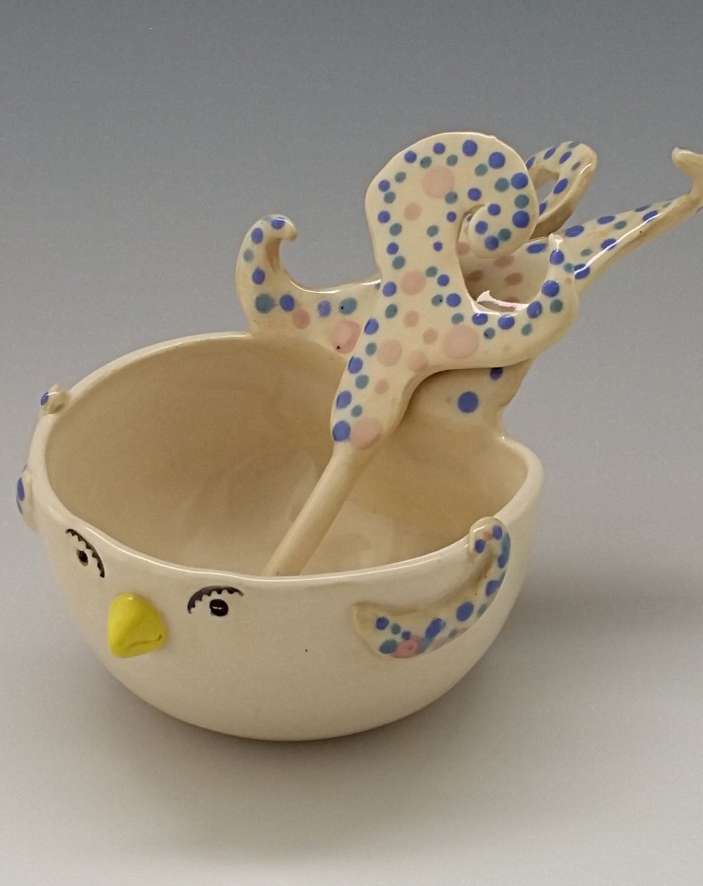 "Bird bowl with ""tail feather"" spoon"