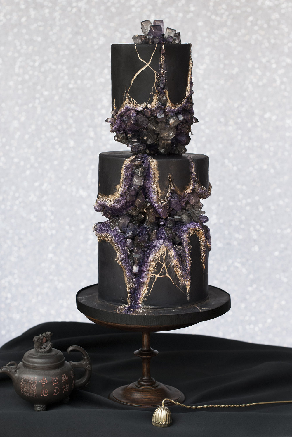 food-porn-diary :    My first time making a sugar crystal geode cake.    wow!