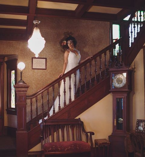 What a vintage dream the Bembridge House in Long Beach, CA is. If you are looking for a charming, intimate setting this venue is for you. ——————————– Photo: #nunezweddings #muah @maryluartistry #weddingdress @brilliantbridal #coordiantor @cmevents #accessories @theblushingbird #weddingphotographer #styledshoot #weddinginsperation #vintageweddings #grace #stylemepretty #elegant #weddingevents (at The Bembridge House)