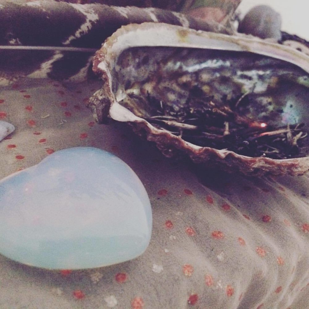 My #zen zone will bring the calm before the storm #nunezphotography #smudging #cyrstals #stones #clearyourenergy