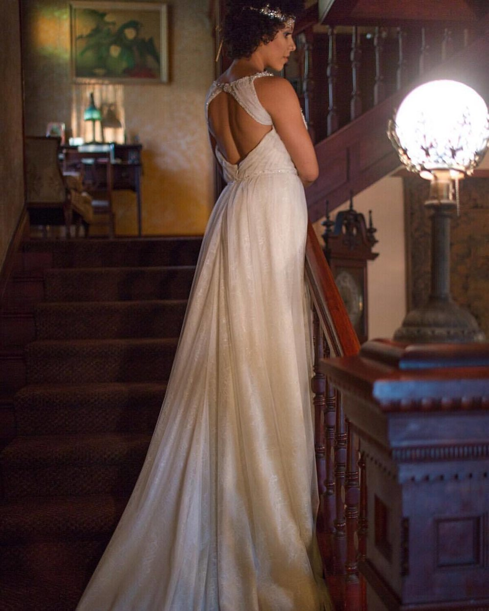 An open back dress can give a sexy, yet sophisticated look on your wedding day. #nunezweddings #romanticweddingdress #weddingfashions #weddinginspo #eventplanning #vintage #longbeach #pdx #vancouverwa (at The Bembridge House)