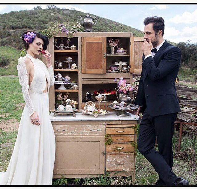 Make every night a honeymoon night. #nunezweddings #love #weddings #vintagewedding #honeymoons #instagood #flower #beautiful #style #sweetsweetlove (at Owl Creek Weddings)