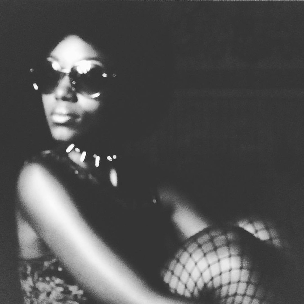 Working it like no other…. Working through this set, can wait to show!!! #nunezphotography #70s #retro #vintage #bombshell #afroqueen #powerful #love #babes (at The Griffin Bar and Lounge)