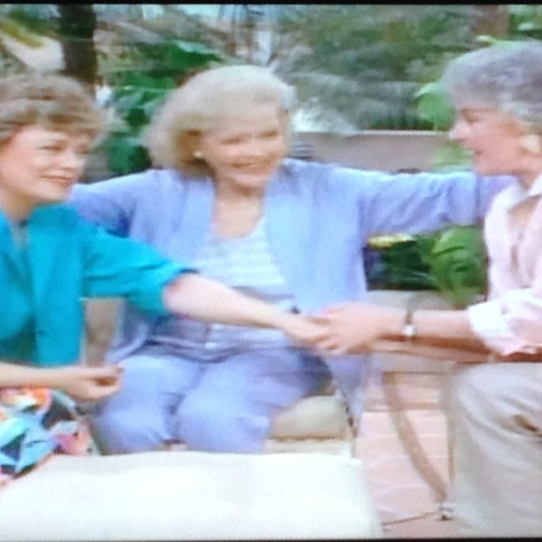 What better way to spend a Sunday….. Watching Golden Girls marathon of course!